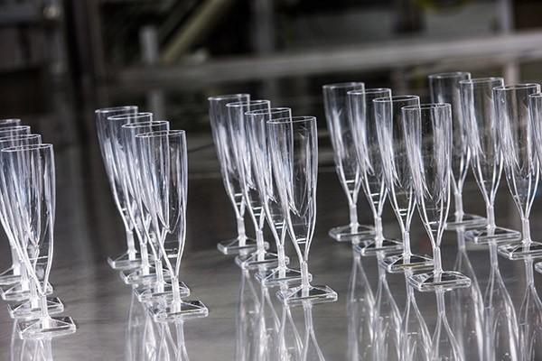 Polystyreen champagne glazen